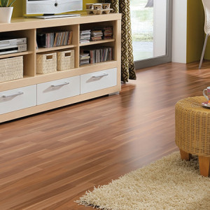 HARO Laminate floor Special edition NKL31 3-Strip Walnut pores